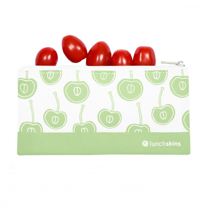 Lunchskins Lunchtüte SMALL ZIP BAG - GREEN FRUITS - Kleine Snacktüte mit Reißverschluss und Kirschmotiv in grün.