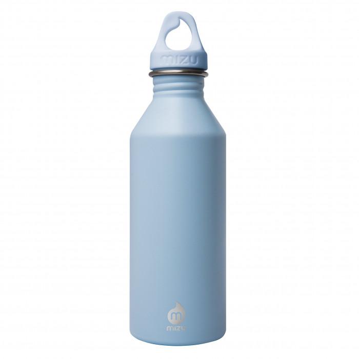 Trinkflasche M5 von MIZU. Modell Enduro in ice blau. Frontalansicht mit Logobranding. 0,5 Liter Flasche M5 aus Edelstahl von MIZU Design.