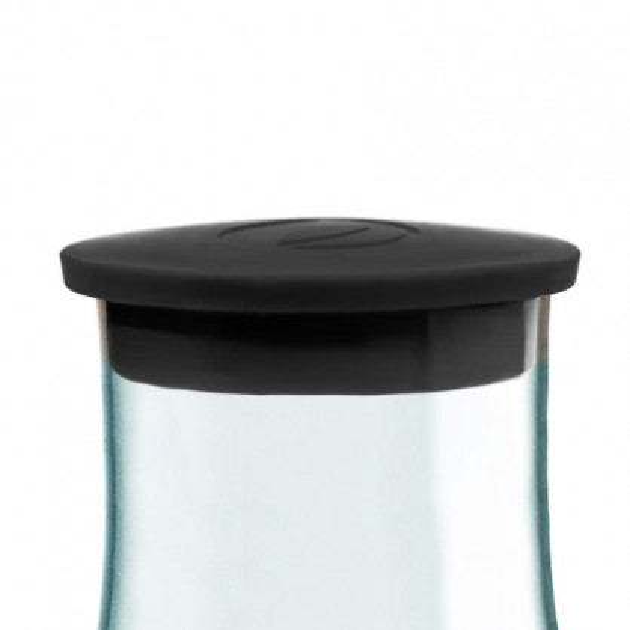 Der schwarze Ersatzdeckel für die 1,2 l Glaskaraffe von Retap. Kunststoffdeckel black.