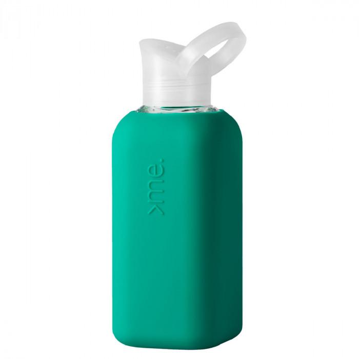 Squireme. Trinkflasche aus Glas mit Silikon-Bezug in teal (aqua)
