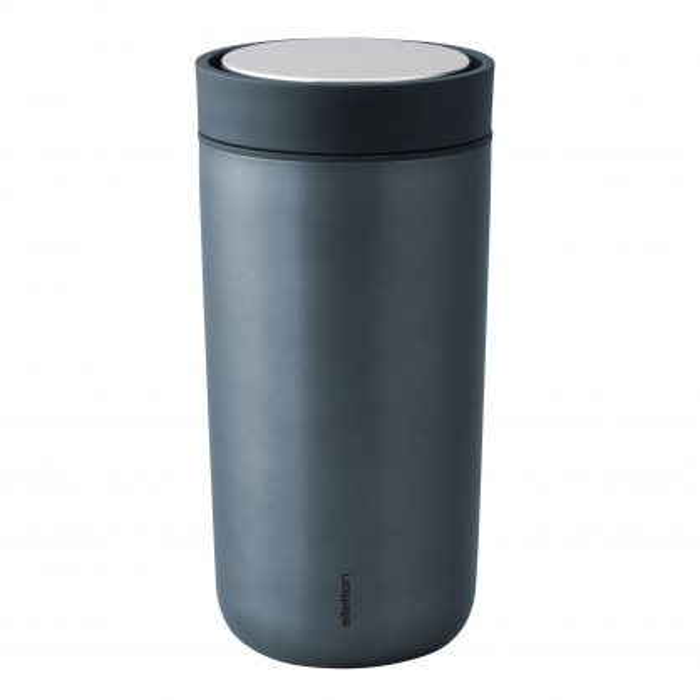 Doppelwandiger Thermobecher dunkelblau - Vacuum To Go Click 400 ml - darkblue metallic - Stelton Design.