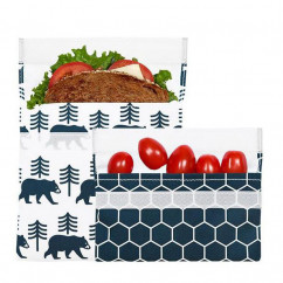 Lunchtüten Set CHARCOAL BEAR von lunchskins. Die praktischen und wiederverwendbaren Snacktüten mit Klettverschluss. Große Bag mit Bärmotiv und kleine Snacktüte mit Wabbenprint.
